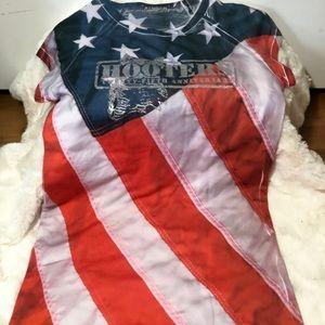 Hooters 25th anniversary American flag shirt 🦉